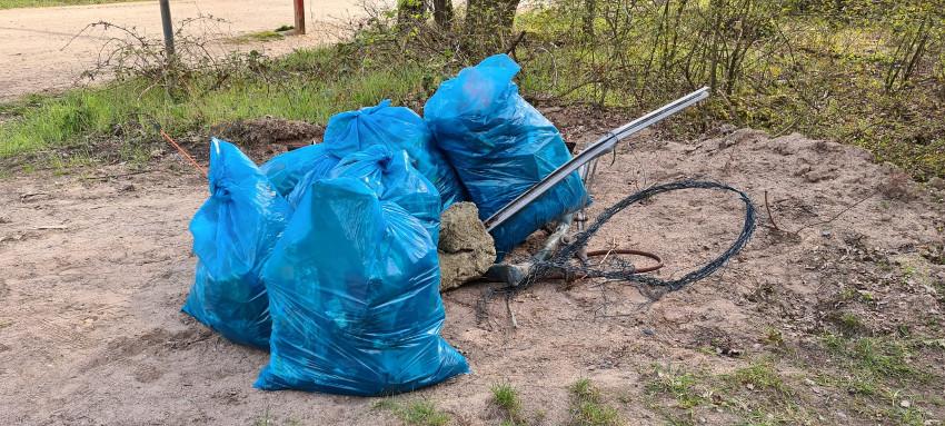 Gesammelter Müll am Tegeler Weg